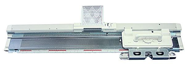 Вязальная машина SILVER REED SK280/SRP60NSilver Reed<br>Двухфонтурная перфокарточная вязальная машина. Данная модель вязальной машины обладает широким набором функций. К ней можно докупать различные аксессуары - сменник цвета, каретки и пр. для расширения функциональных возможностей.<br>
