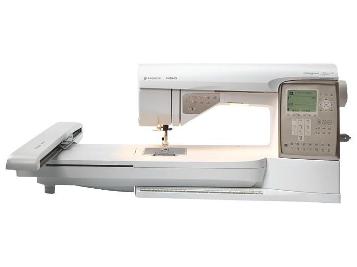 Husqvarna DESIGNER Topaz 30Husqvarna<br>Швейно-вышивальная машина Husqvarna Designer Topaz 30. Данная модель обладает великолепным дизайном и содержит функции, позволяющие создавать еще более прекрасные вышивки, чем когда-либо ранее.<br>  <br>  Перед Вами открывается целый мир вышивки, ограниченный...<br>