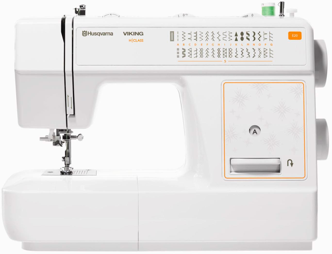 Husqvarna VIKING E20Husqvarna<br>Швейная машина Husqvarna E20 удивит Вас своими функциональными возможностями. 32 строчки, вертикальный челнок, петля выметывается в автоматическом режиме, 7 лапок в комплекте, мягкий чехол. Данная модель шьет как легкие, так и плотные ткани.<br>
