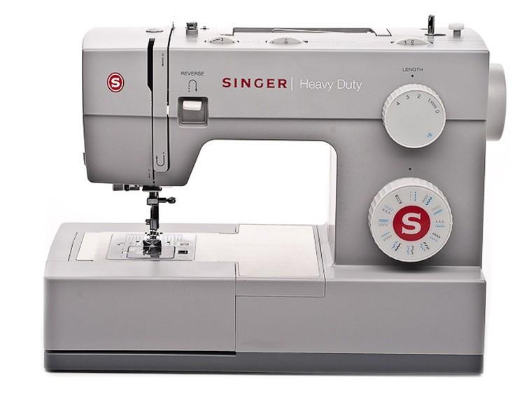 Singer 4423 Heavy DutySinger<br>23 строчки, петля в автоматическом режиме, в комплекте 4 лапки, чехол мягкий. Челнок - горизонтальный.<br>