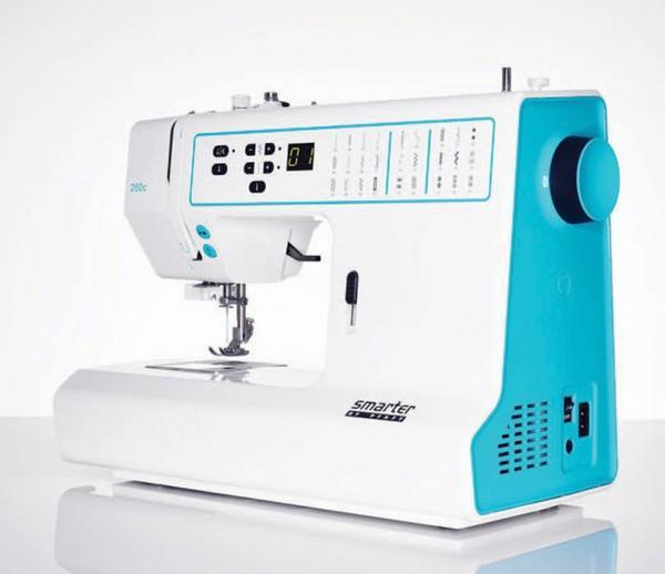 PFAFF Smarter 260CPFAFF<br>Швейная машина PFAFF Smarter 260c - младшая в серии электронных машин от PFAFF. 27 строчек, горизонтальный челнок, петля в автоматическом режиме, регулятор давления лапки на ткань, беспедальное шитье, автоматическая закрепка.<br>