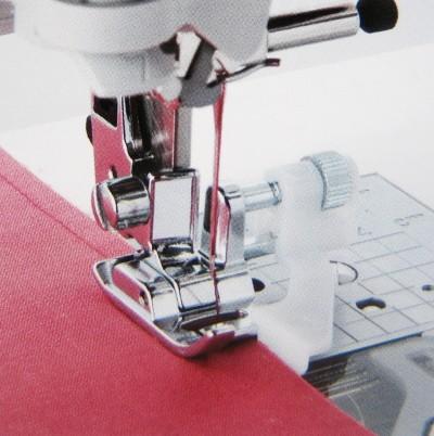 611411000 Лапка для потайного шваВертикальный челнок<br>611411000 Лапка для потайного шва<br>