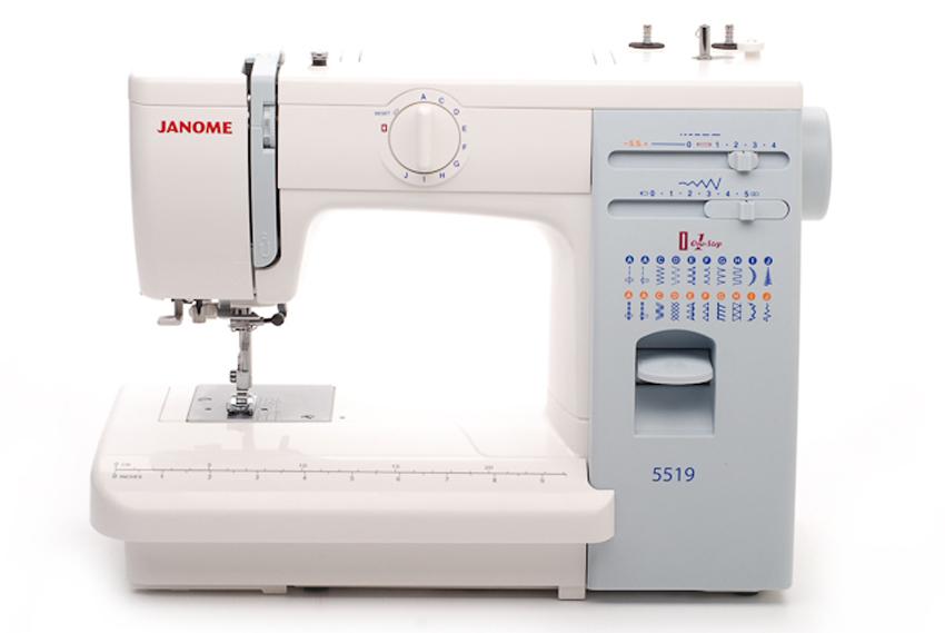 Janome 5519Janome<br>18 видов строчек (19 операций), нитевдевающее устройство, в комплекте 5 лапок, чехол жесткий. Челнок - вертикальный.<br>