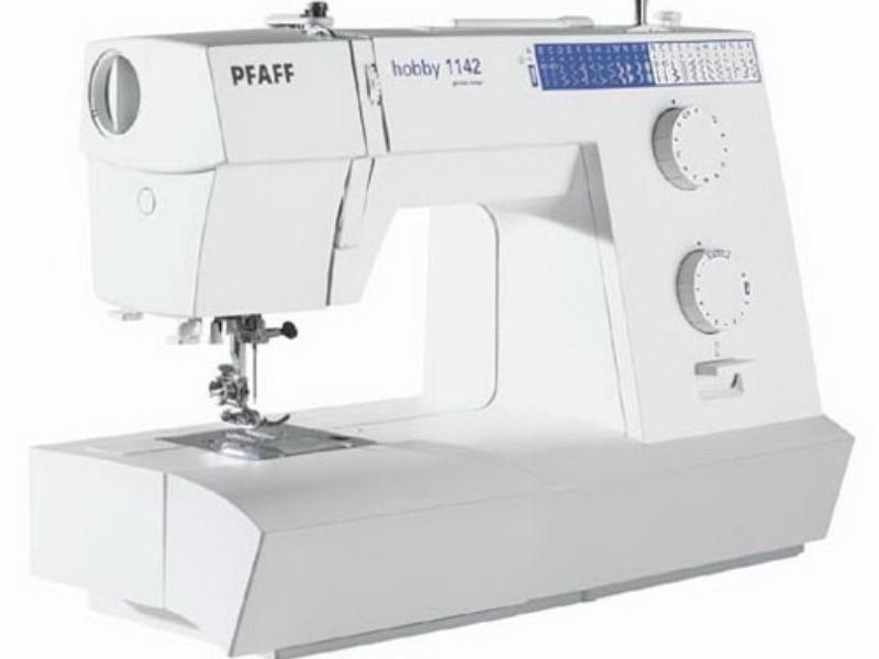 PFAFF HOBBY 1142PFAFF<br>Швейная PFAFF Hobby 1142 машина от немецкой фирмы PFAFF - идеальное решение для тех людей, которые ищут надежную швейную машину от известного европейского с отличным набором строчек бренда по разумной цене!<br>
