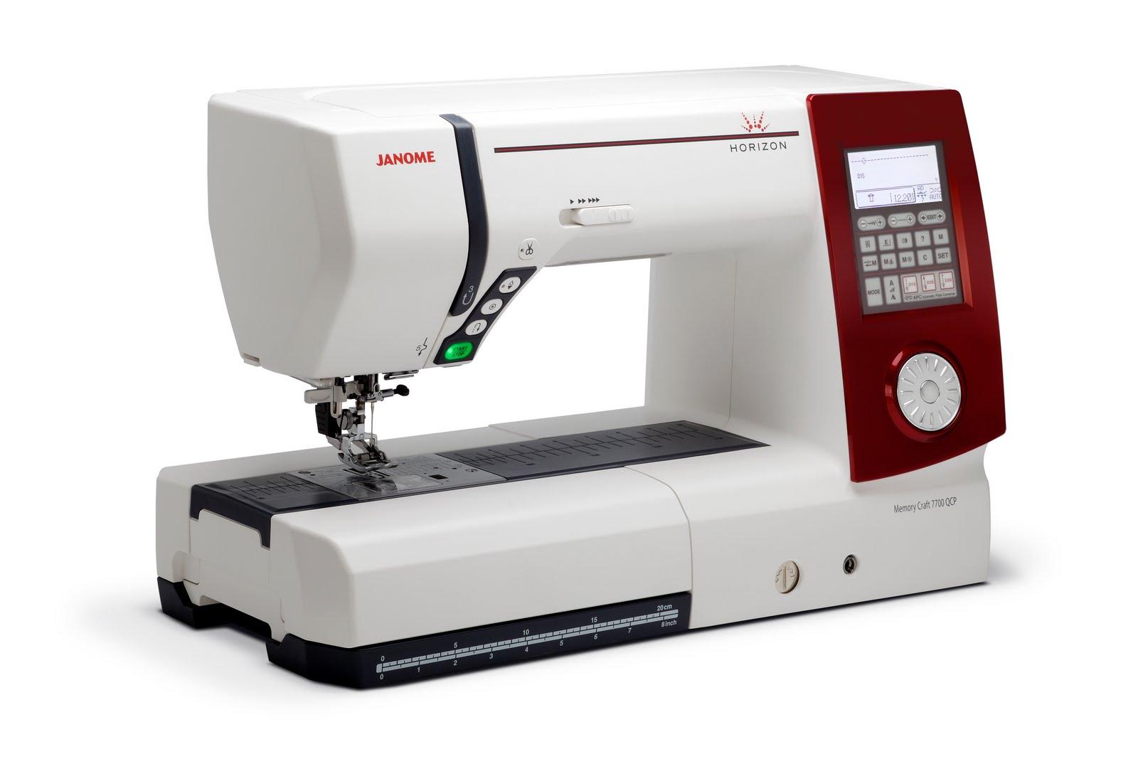 Janome MC 7700 QCPJanome<br>Janome MC 7700 выполняет 250 строчек, выметывает 11 видов петель. У машины есть 3 вида алфавита. Вам отлично помогут электронные функции позиционирования иглы, автоматической обрезки и пр. Кроме того в машину встроен верхний двигатель ткани.<br>