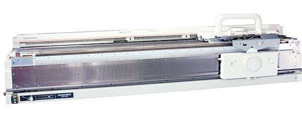 Вязальная машина SILVER REED SK840/SRP60NSilver Reed<br>Вязальная машина Silver Reed SK840/SRP60N выполняет абсолютно все виды вязок перфокарточной машины. Ширина рисунка программируется самостоятельно при помощи пакета программ для ПК.<br>