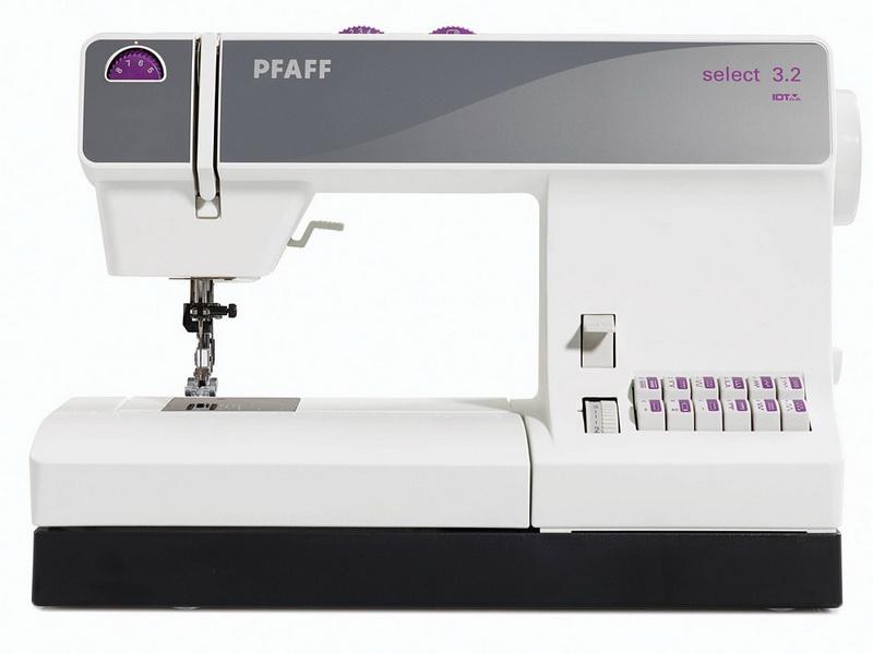 PFAFF select 3.2PFAFF<br>PFAFF Select 3.2 - вертикальный ротационный челнок (двойного обегания). Швейная машина Select 3.2 выметывает петлю в полуавтоматическом режиме, выполняет27 строчек. У данной модели есть встроенный верхний транспортер, длина стежка до 6 мм, ширина строчки ...<br>