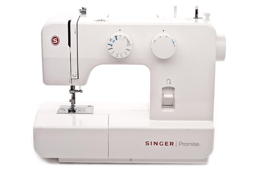 Singer 1409 PromiseSinger<br>Швейная машина  Singer 1409 имеет вертикальное челночное устройство, выполняет 8 строчек. В комплекте имеет 4 лапки. Отличается современным дизайном, возможностью плавной регулировки ширины, длины стежка.<br>